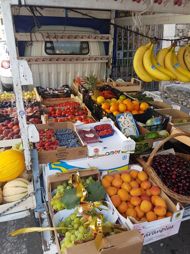 fruit truck 1